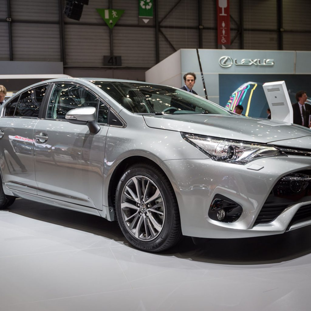 Toyota Avensis Saloon Geneva 2015 A 2