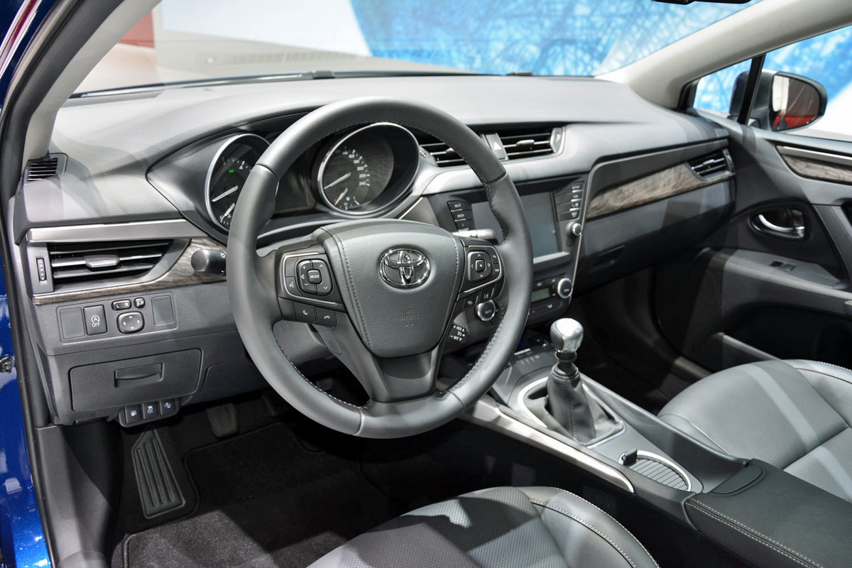 Rg Geneva Toyota Avensis 8 1200